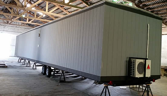 Oficinas m viles portatiles y campers fabricados a la for Oficinas moviles